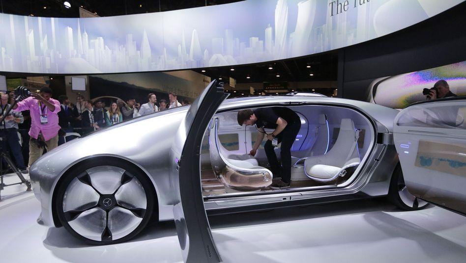 Autohersteller und IT-Unternehmen: Konkurrenten auf Kuschelkurs