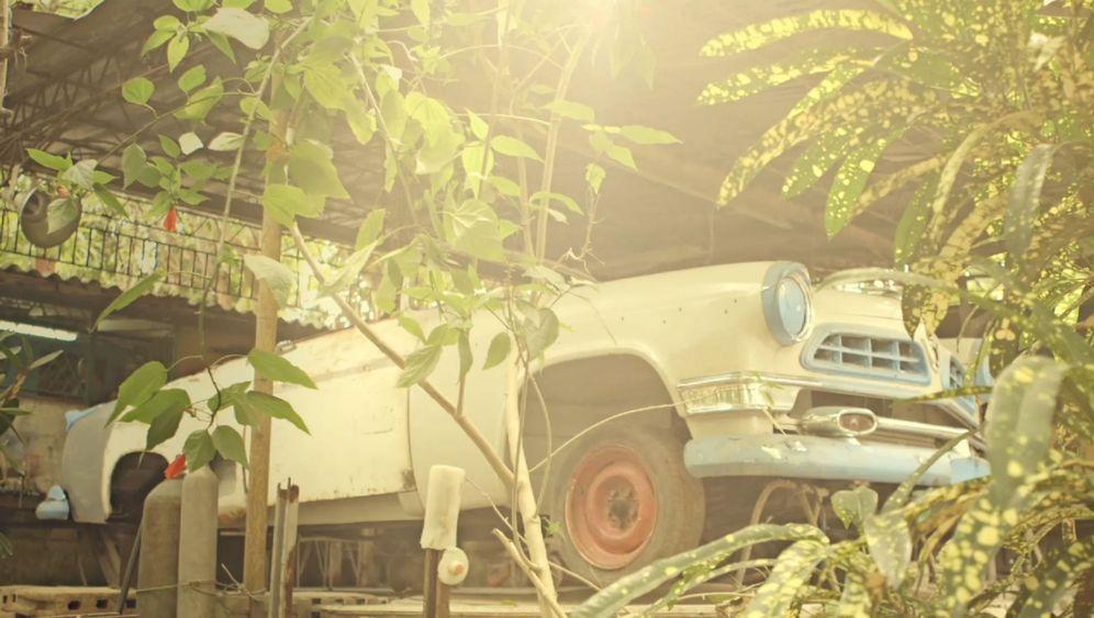 Restaurierung von Hemingways Cabrio: Ein altes Auto und mehr