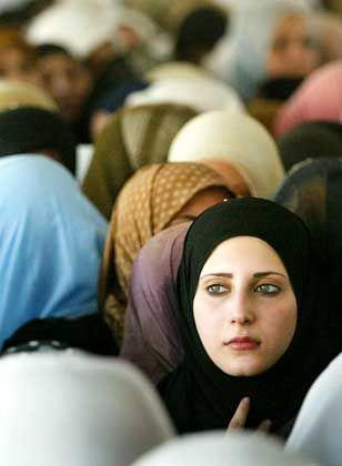 Frauen mit Kopftuch: In Iran willkommen