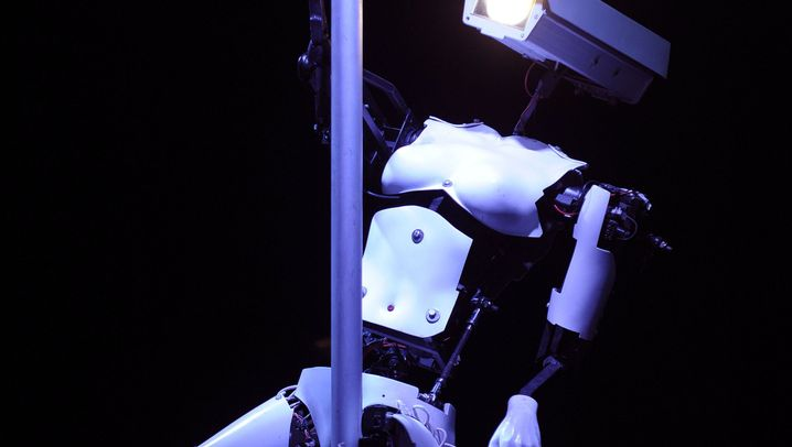 Cebit 2012: Tanzende Roboter