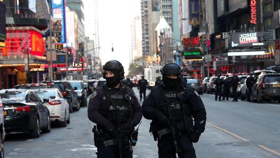 Polizisten in New York City nach dem Anschlag (Archivbild)