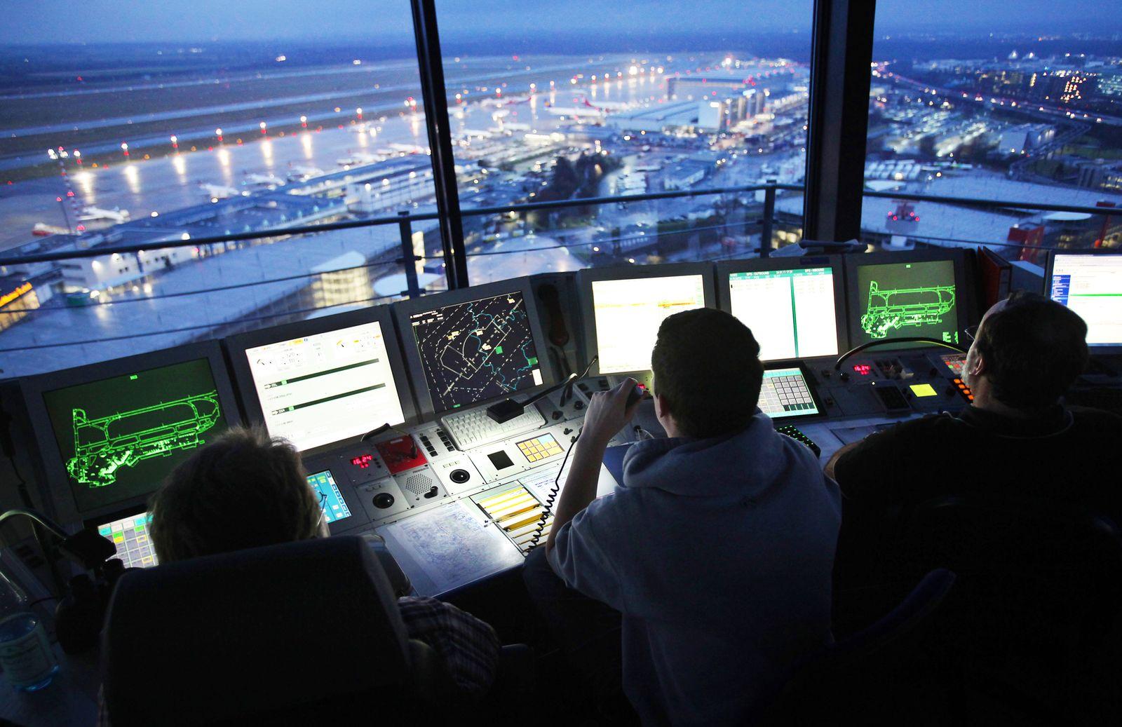 Flugsicherung / Fluglotse / Flughafen Düsseldorf