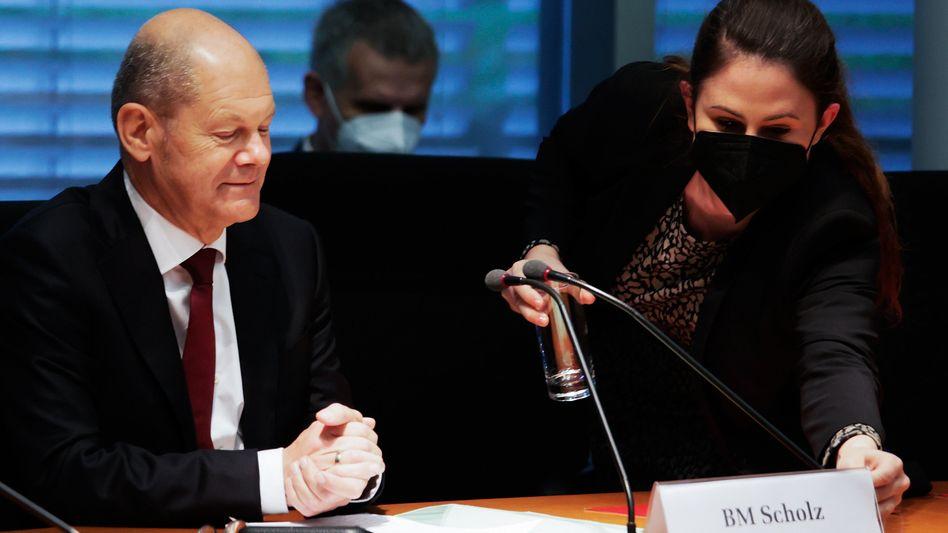 Olaf Scholz: Für die Befragung im Finanzausschuss hat der SPD-Kanzlerkandidat mehrere Wahlkampftermine gestrichen