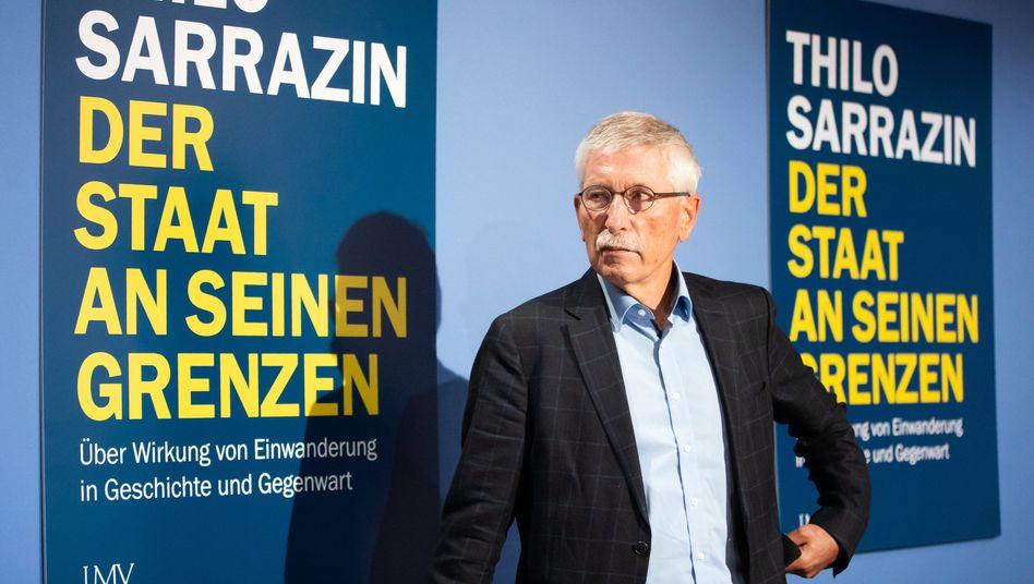 Sarrazin bei der Vorstellung seines Buches in Berlin
