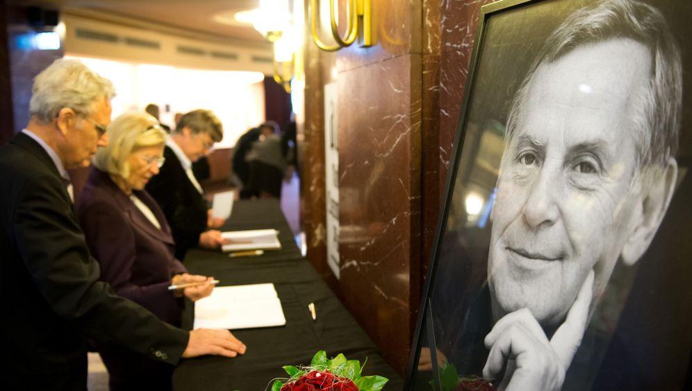 Gedenken an Lothar Bisky: Mann mit brummigem Humor