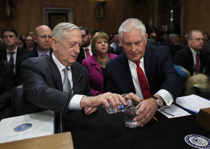 """""""Ihr seid alle Verlierer"""": Ex-Minister Mattis und Tillerson"""