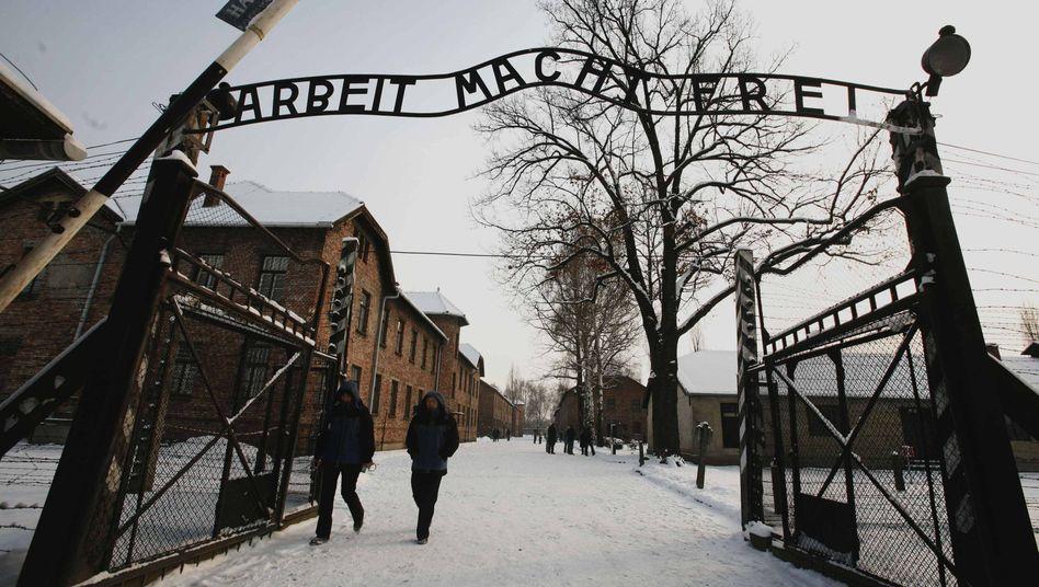 """Arbeit macht frei""""-Diebstahl: Schwede zu 32 Monaten Haft ..."""