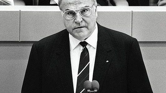 Kanzler Kohl im Bundestag (am 21. Juni 1990)