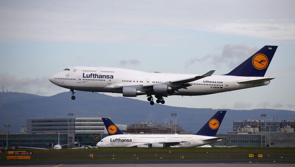 Noch fliegen sie: Auf dem Frankfurter Flughafen werden Lufthansa-Maschinen ab 17 Uhr am Boden bleiben