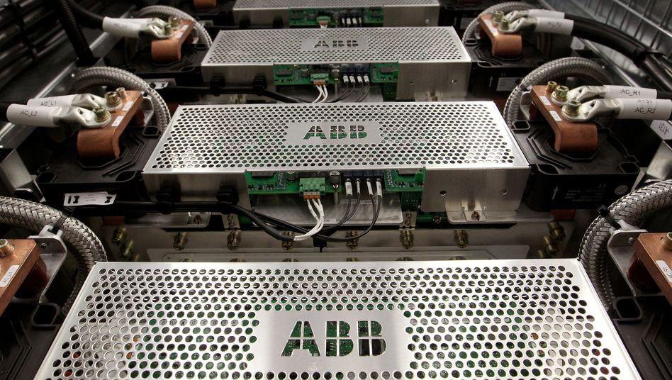 ABB-Logo auf Schutzgitter