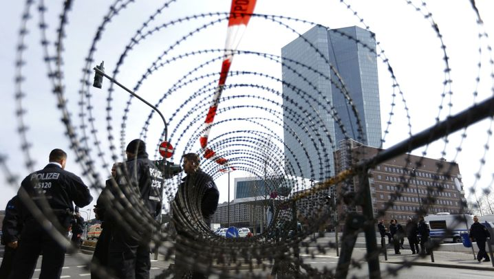 Blockupy: Proteste gegen das Symbol der Macht