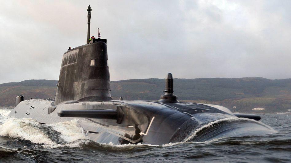 Britische Marine: Atom-U-Boot läuft vor Schottland auf Grund