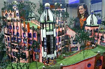 """Modell der geplanten """"Grüne Zitadelle"""" in Magdeburg: Rund 27,1 Millionen Euro soll das letzte Bauprojekt des verstorbenen Friedensreich Hundertwasser kosten"""