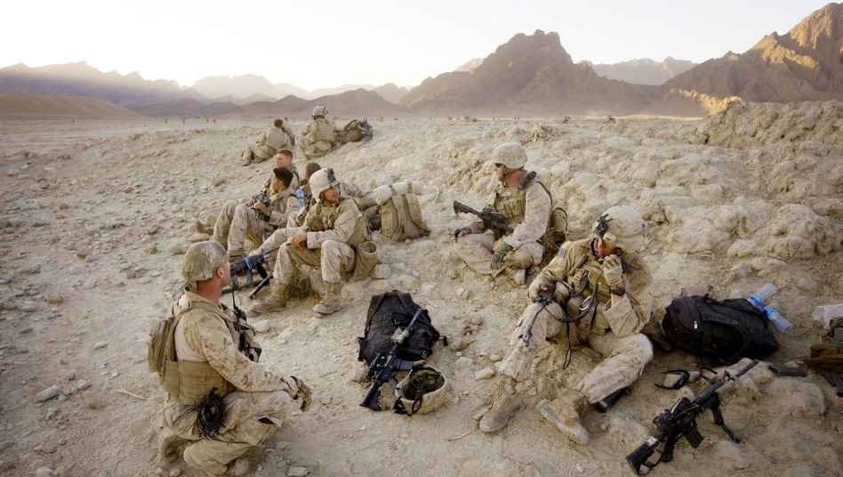 US Marines in the Bhuji Bhast Pass in southern Afghanistan.