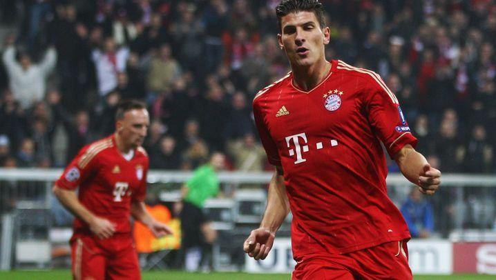 Bayern vs. Neapel: Gala von Gomez, Drama um Schweinsteiger