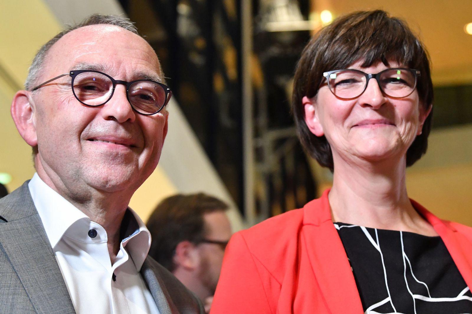 SPD-Kandidaten spekulieren übers Kanzleramt