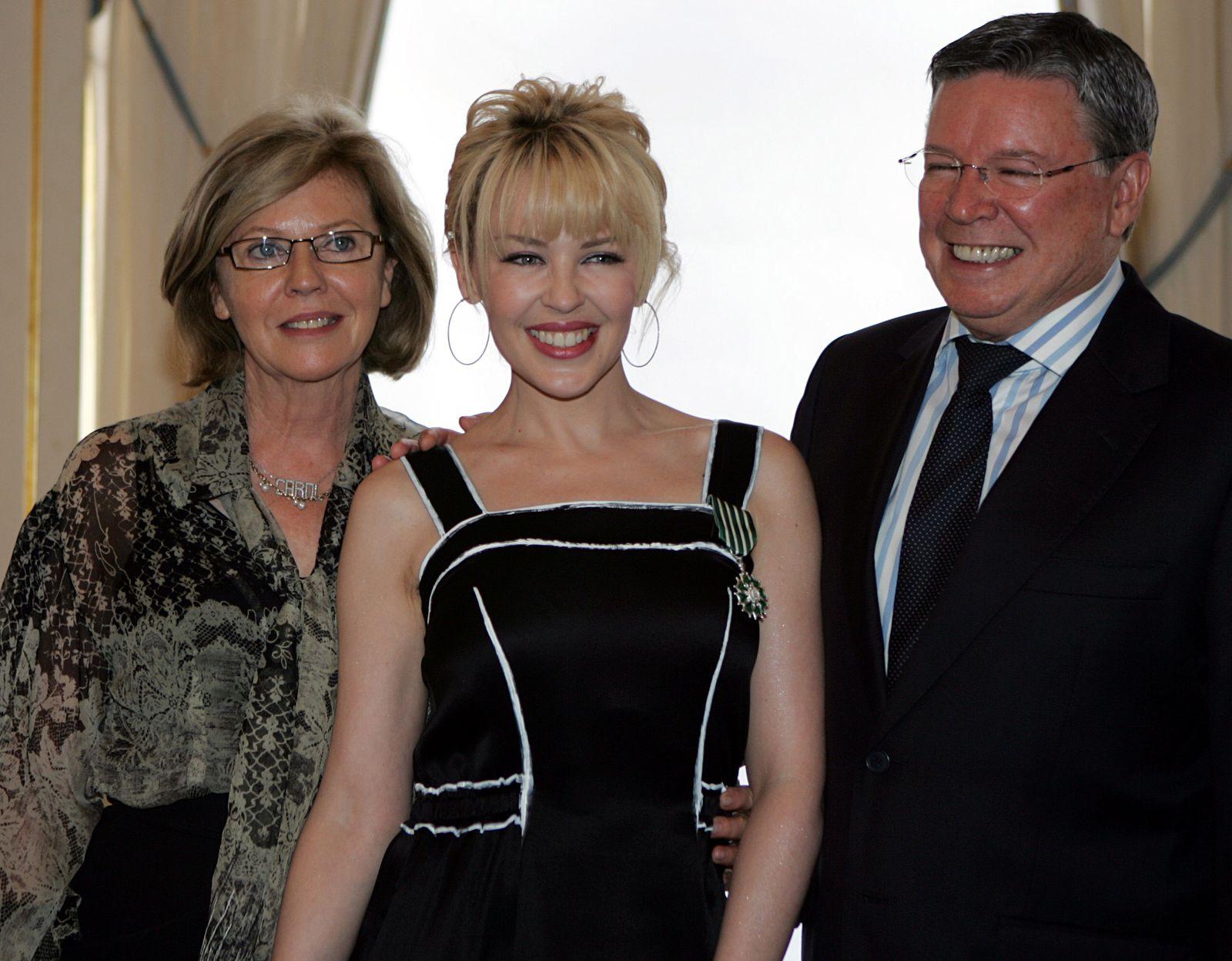 Kylie Minogue, Carol Minogue, Ron Minogue