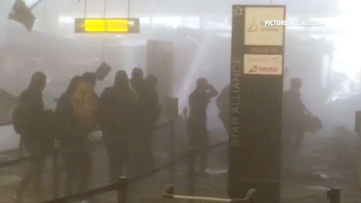 Rauch im Flughafen nach der Detonation