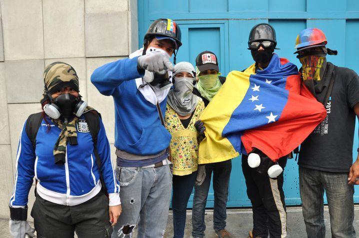 Miguelito (Zweiter von links) und seine Gruppe