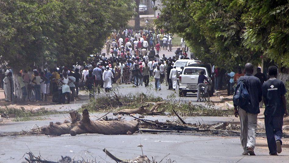 Massenauflauf in Bissau: Putschversuch gegen Ministerpräsident Carlos Gomes junior