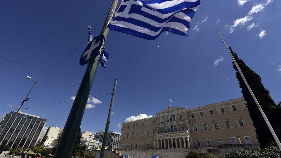Parlamentsgebäude in Athen: Genug Geld für die nächste Woche