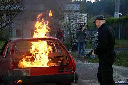"""Brandanschlag in Deutschland (Szene aus """"Tag X""""): Katastrophal schlecht ausgerüstet"""