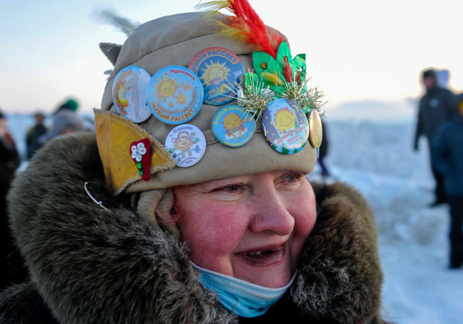 Das Ende der Polarnacht: Die Einwohner von Murmansk erfreuen sich am ersten Sonnenaufgang nach 40 Tagen