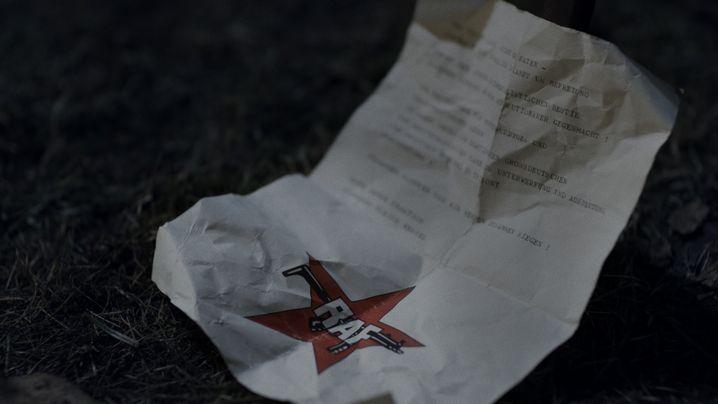 """Am Tatort wurde ein Bekennerschreiben der RAF gefunden, an dessen Echtheit in """"Rohwedder"""" einige Zweifel äußern"""