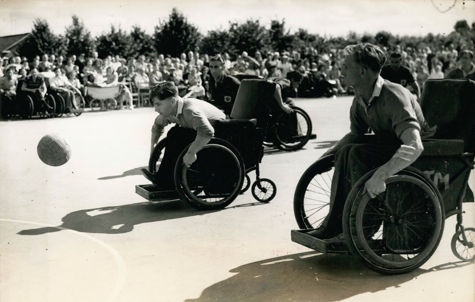Jul 07 1930 The Stoke Mandeville games at Aylesbury The annual Inter Spinal Unit Sports Festiv