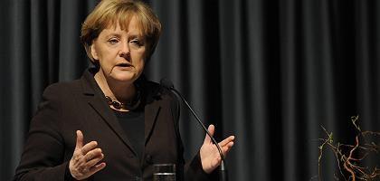 Angela Merkel in der Katholischen Akademie: Kein Gang nach Canossa