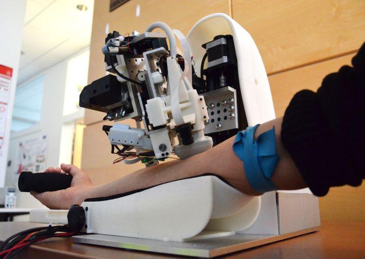 Dieser Roboter, den Forscher der Rutgers-Universität entwickelt haben, wurde bisher erfolgreich an Tieren getestet