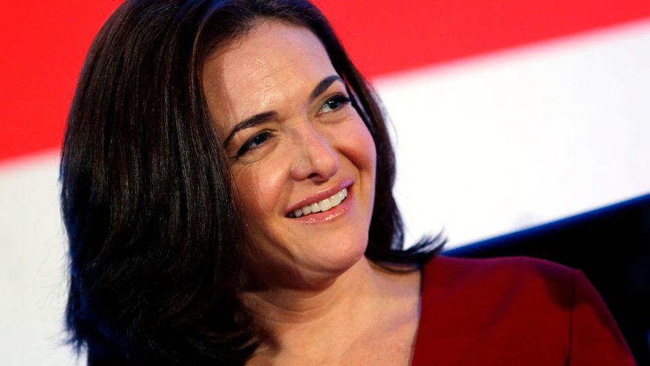 """Buchautorin Sandberg: """"Wir brauchen mehr Frauen an der Macht"""""""