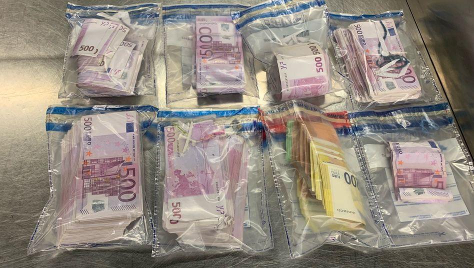 Flughafen Düsseldorf: Sichergestelltes Bargeld