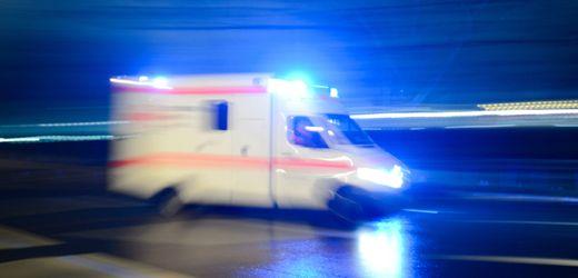 Duisburg: Aggressiver Autofahrer fährt Rettungsassistent an