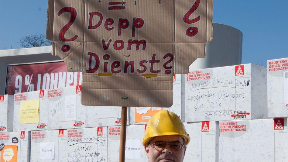 Demo der IG Metall: 16 Prozent der aufstockenden Hartz-IV-Leistungen für Leiharbeiter