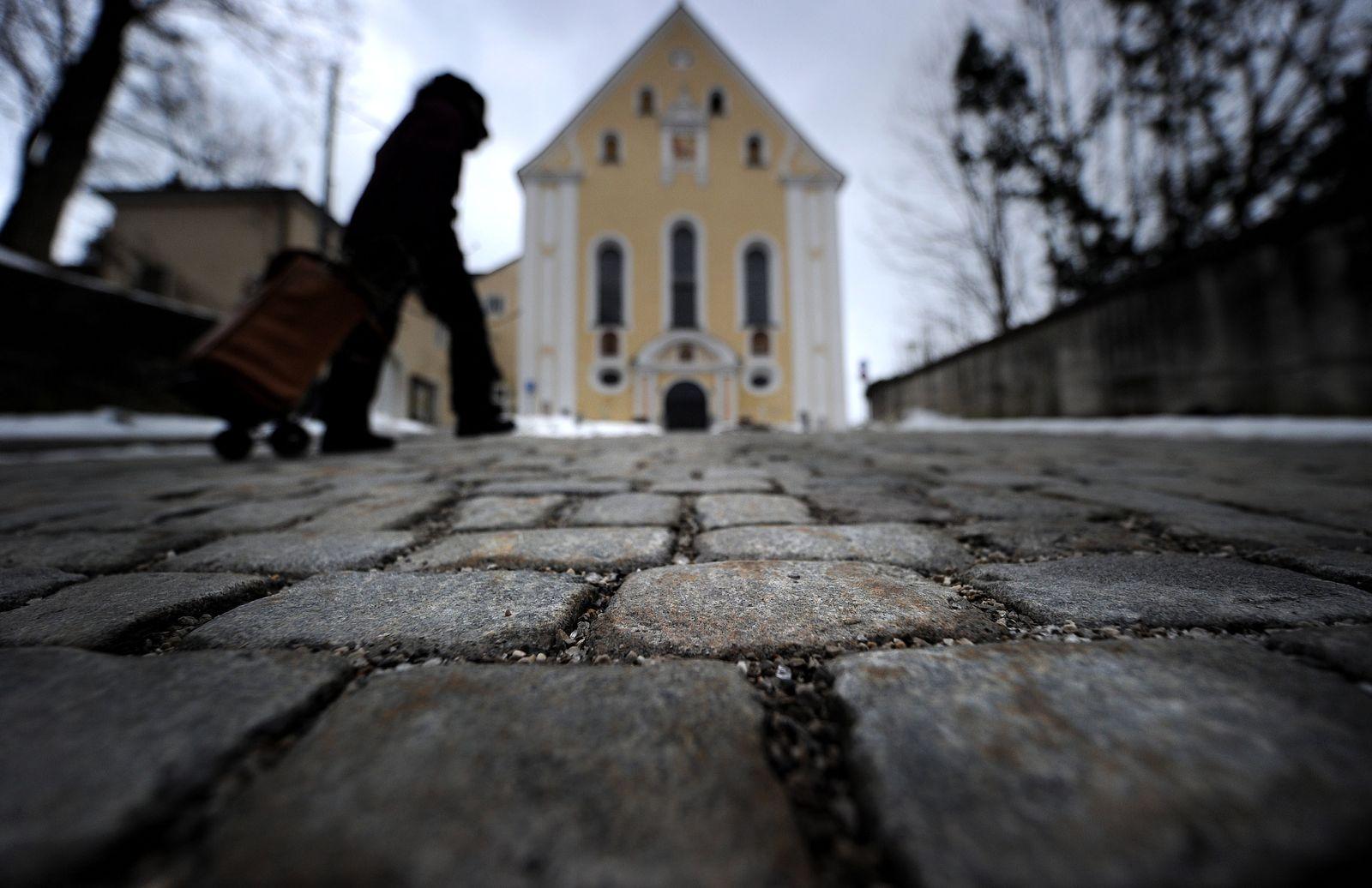 NICHT VERWENDEN Bad Tölz / Franziskanerkirche