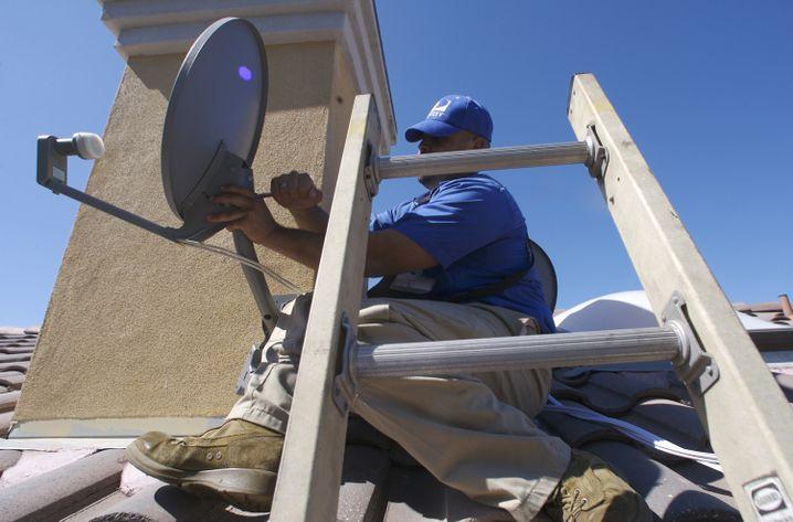 Montage eine Antenne für Satelliten-TV