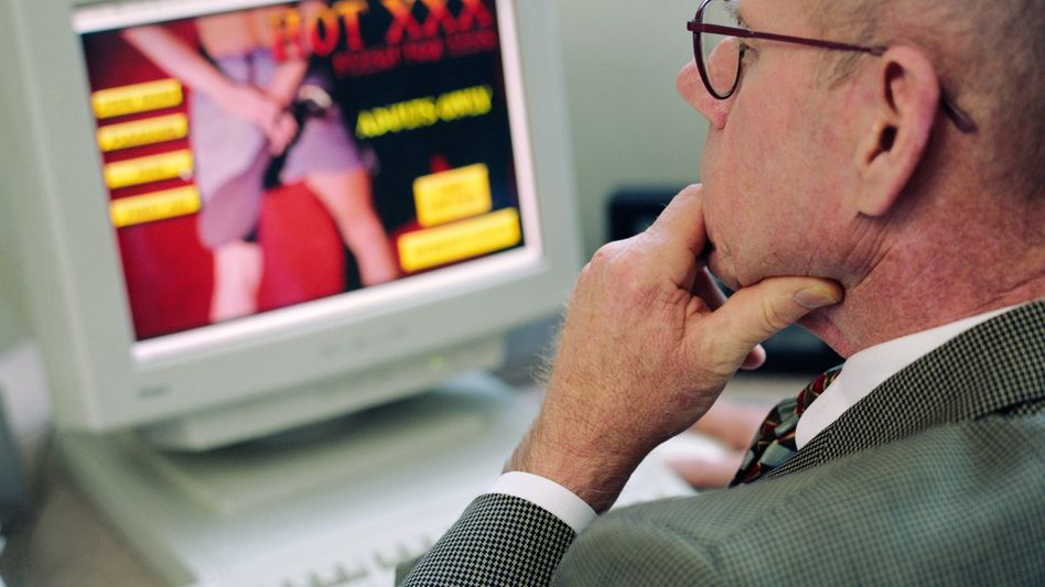 Sexvideo am Arbeitsplatz: Premium-Account für den Professor
