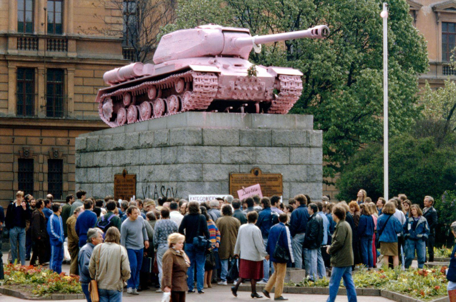 Pink tank,