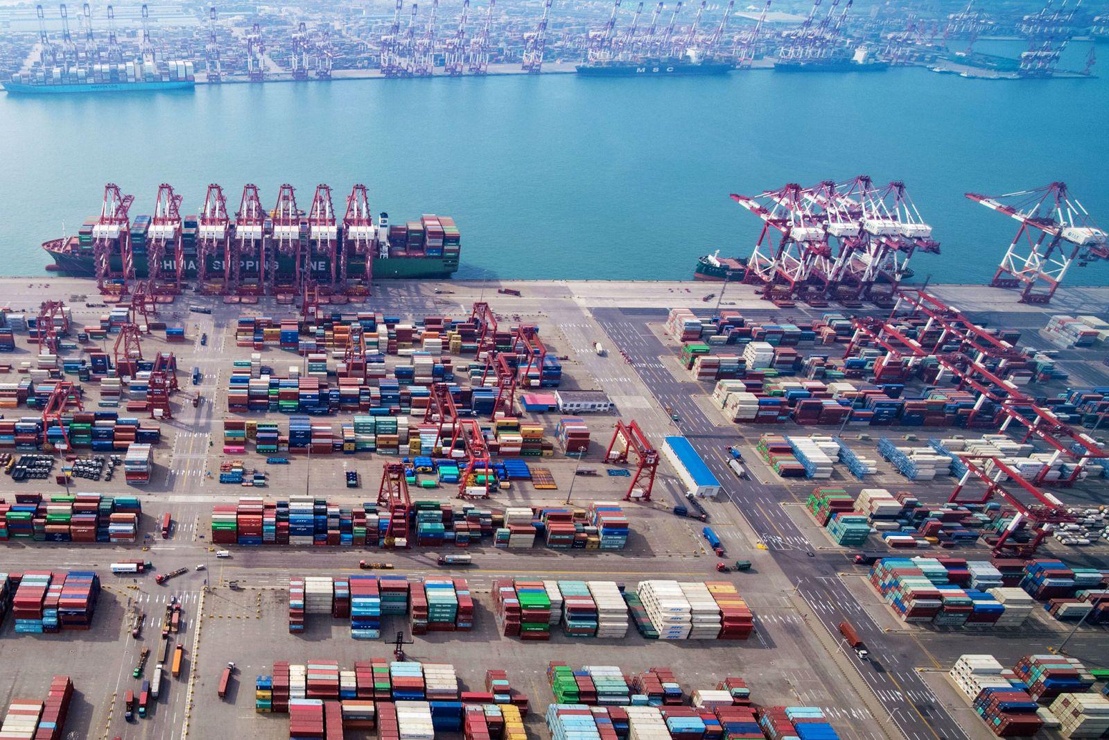 China Containerhafen/ Tsingtao