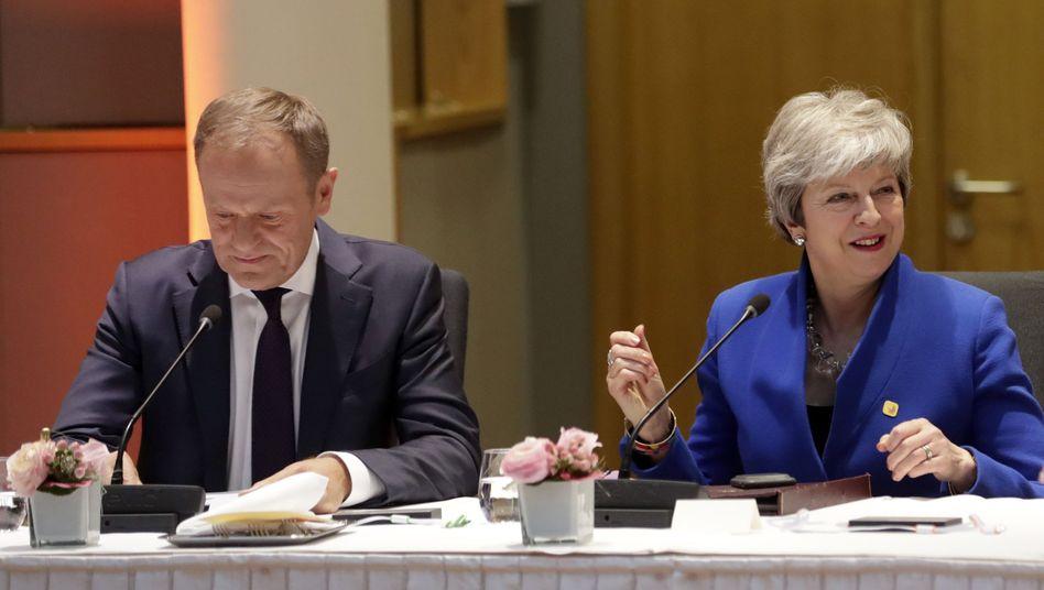 Donald Tusk, Theresa May