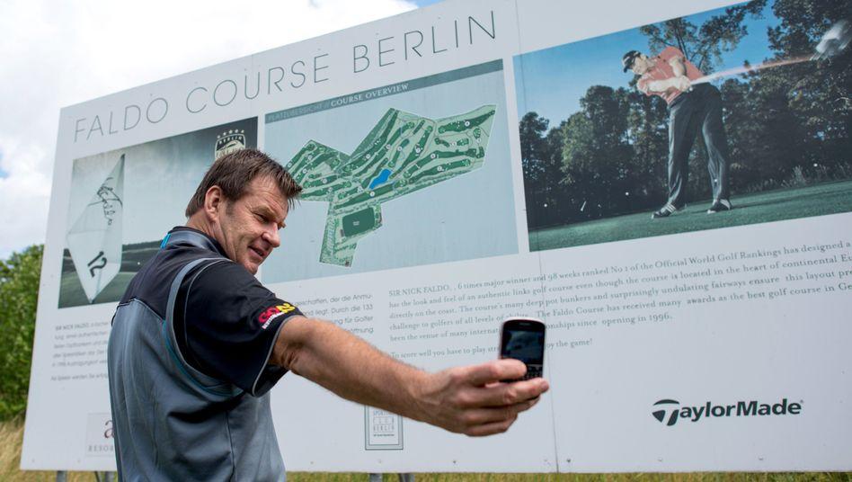 Nick Faldo: Golfer, Platzarchitekt, Selfie-Fotograf