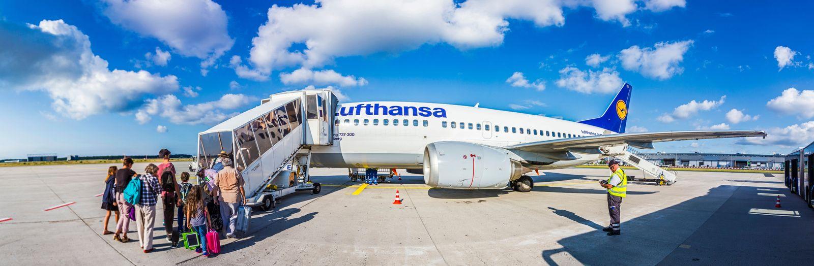 EINMALIGE VERWENDUNG Lufthansa/ boarding