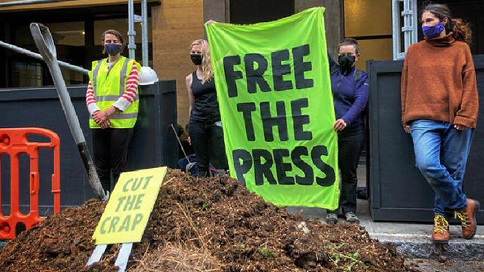Pferdemist vor dem »Daily Mail«-Gebäude: Organisiert von der Initiative Extinction Rebellion
