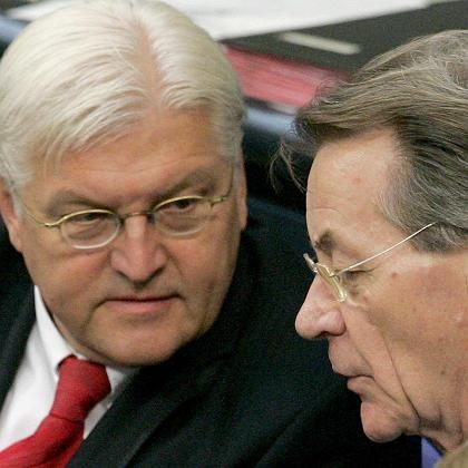 The SPD new leadership duo: Frank-Walter Steinmeier (l) and Franz Müntefering (r).