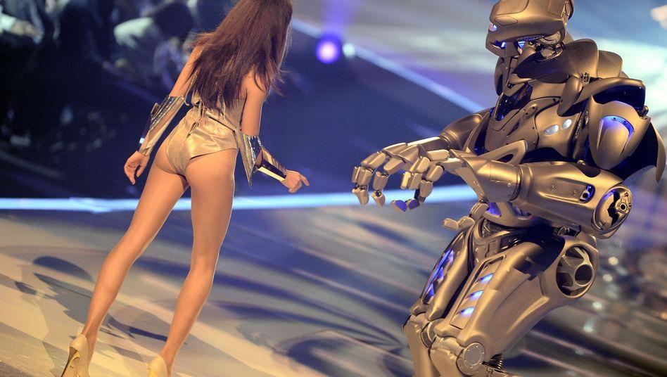 """Finale von """"Germany's Next Topmodel"""" 2013: Alle müssen funktionieren - Mädchen und Roboter"""