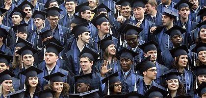Bachelor, und dann? Besonders in Wirtschaftswissenschaften herrscht beim Masterstudium mehr Nachfrage als Angebot