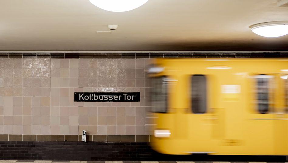 Um den Verkehr der Innenstädte zu entlasten, könnten bald U-Bahnen die Aufgabe von Paketlieferwagen übernehmen