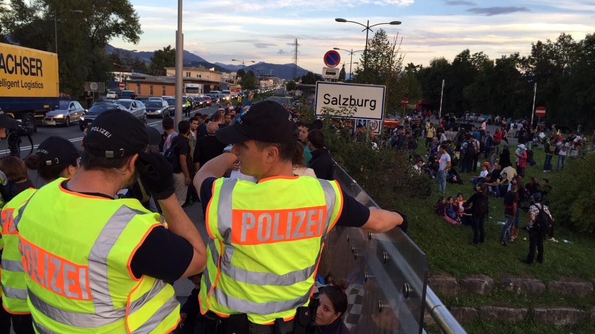 Flüchtlinge deutsch-österreichische Grenze Salzburg