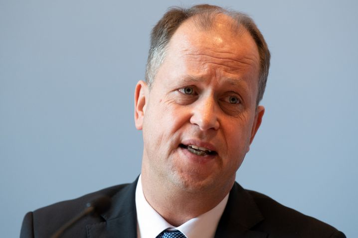 NRW-Familienminister Joachim Stamp